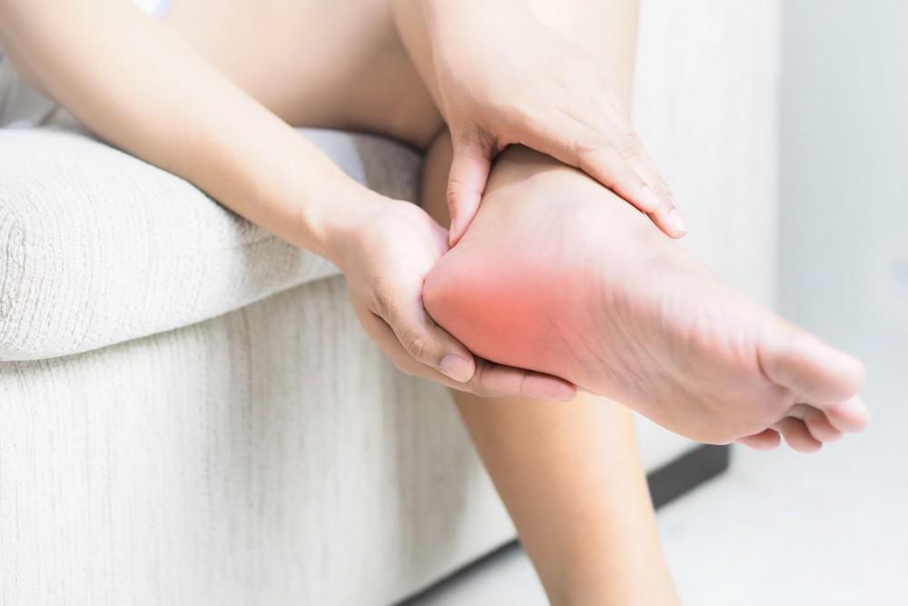 CBD Essential Oils for Back or Foot Pain